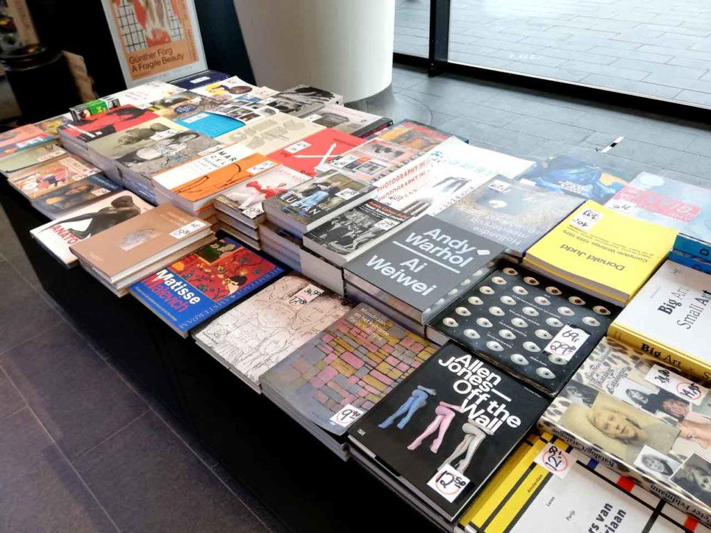 Stedelijk Museum Amsterdam: Eintritt, Öffnungszeiten & Infos